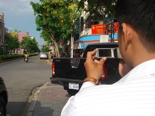 """Hành trình truy tìm đối tượng lừa đảo """"xế hộp"""" tại Campuchia - Ảnh 2"""